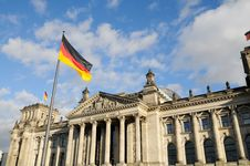 Free Front View Of The Reichstag, Stock Images - 19856804