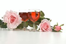 Free Wine Glasses With Pink Roses Royalty Free Stock Photo - 19857285