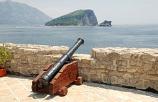 Free Old Cannon In A Fortress Budva Royalty Free Stock Image - 19872816