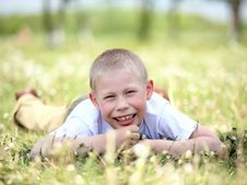 Free Little Boy Playing In The Park Royalty Free Stock Photos - 19878188
