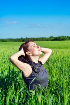 Free Young Woman In The Wheat Field Royalty Free Stock Image - 19882826