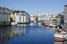 Free Alesund Sea Inlet Royalty Free Stock Image - 19887486