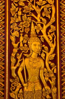 Free Native Thai Sculpture On Wooden Door Stock Photos - 19890413