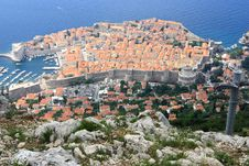 Free The View Of Red Rooftops Of Dubrovnik Stock Photography - 19891512