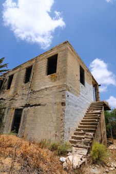 Free Abandoned House Royalty Free Stock Image - 19892046