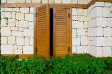 Free Window And Shutters Royalty Free Stock Image - 19893456
