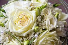 Free Wedding Bouquet With Two Rings Stock Photos - 19897763