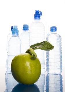 Free Water & Apple Stock Photos - 1990713