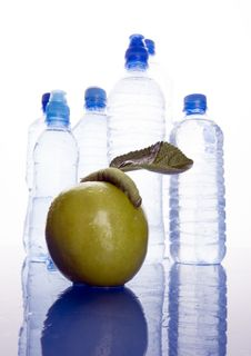 Free Water & Apple Stock Images - 1990714