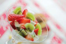 Free Kiwi & Strawberry Fruit Salad Royalty Free Stock Images - 1994439