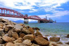 Free Sea Oil Transfer Equipment Stock Photo - 19906780