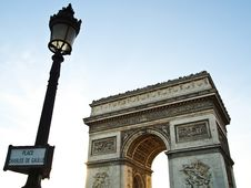 Free Triumphal Arch With Lamppost , Paris France Royalty Free Stock Photo - 19907725