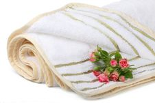 Free Terry Towel With A Small Bouquet Of Roses Royalty Free Stock Image - 19908486