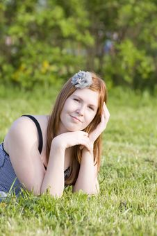 Dreaming  Pretty Girl On A Grass Royalty Free Stock Photos