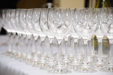 Free Empty Glasses Royalty Free Stock Images - 19912589