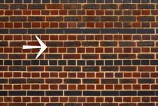 Free An Arrow On A Brick Wall Stock Images - 19914454
