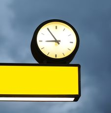 Free Empty Signboard And Clock Stock Photography - 19918182
