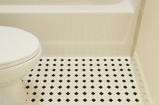 Free Bathtub And Toilet Royalty Free Stock Photography - 19921807