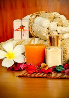 Free Spa Products With Flowers And Towel Stock Photos - 19923263