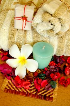 Free Spa Products With Flowers And Towel Stock Photography - 19923472