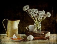 Free Dandelions And Eggs Royalty Free Stock Images - 19926379