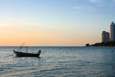 Free Fisherman Boat With A Sunset Stock Photography - 19927072