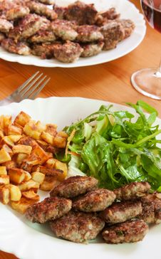 Free Meatballs With Beef And Spices, Fries Potatoes And Stock Photo - 19928170