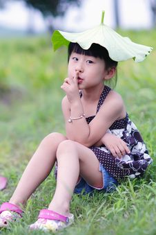 Free Chinese Lovely Girl Royalty Free Stock Photography - 19928547