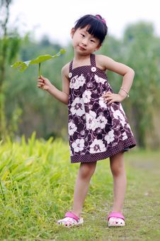 Free Chinese Lovely Girl Royalty Free Stock Image - 19928706