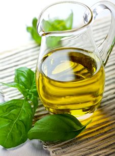 Free Olive Oil In A Glass Jug Royalty Free Stock Photography - 19930947