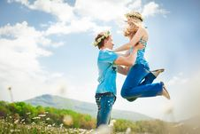 Free Running Young Couple Stock Image - 19932911