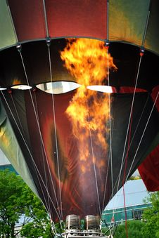 Free Heating The Balloon Royalty Free Stock Photo - 19933905
