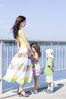 Free Woman With Kids Royalty Free Stock Photography - 19935627