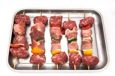 Free Skewers Of Raw Meat And Peppers, White Background Royalty Free Stock Photos - 19948838
