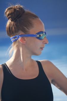 Free Female Swimmer In Pool Royalty Free Stock Photo - 19949885
