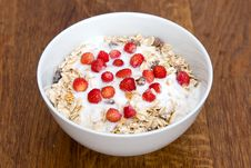Free Muesli With Yoghurt And Wild Strawberry Royalty Free Stock Images - 19952159