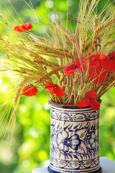 Free Bouquet Of Spikes And Poppies. Royalty Free Stock Images - 19952209