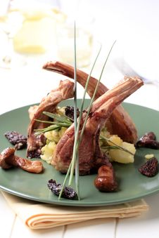 Free Roast Lamb Chops Royalty Free Stock Photo - 19952625