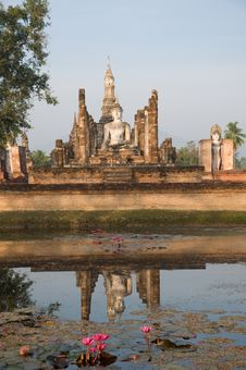 Free Ancient Temple At Sukhothai Historical Park Stock Photo - 19956470