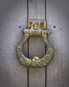 Free Coseup Old-fashioned Brass  Door Handle Stock Photos - 19959303