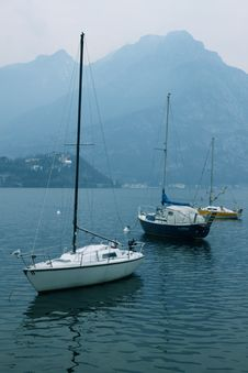 Free Como Lake Boats Stock Photo - 19962460