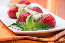 Free Kiwi And Strawberry Royalty Free Stock Image - 19965406