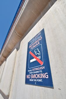 Free Sign No Smoking Stock Photo - 19968430