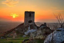Free Sunset Over Ruin Of Madieval Castle Stock Photography - 19968772