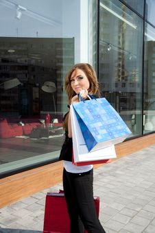 Free Beautiful Woman With Shopping Bags Stock Images - 19970454