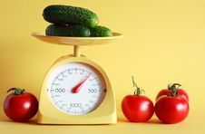 Weighing Of Vegetables Royalty Free Stock Images