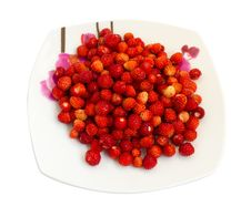 Strawberries On A Plate Royalty Free Stock Image