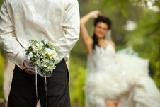 Bride And Groom With Bouquet Royalty Free Stock Photos