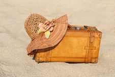 Free Suitcase And Straw Hat On A Sea-shore Stock Photography - 19978742