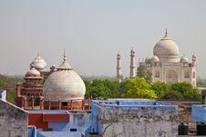 Free Taj Mahal Located In Agra 12 Royalty Free Stock Photo - 19980895